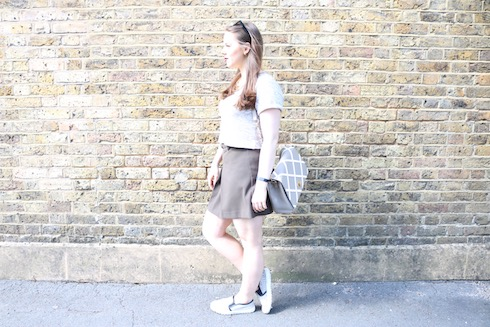 Jodie's outfit of the day (OOTD) - she is wearing a khaki grey skirt, grey cropped top, LYDC bag and nuspecs sunglasses