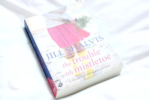 The trouble with mistletoe, jill shalvis, book review, heartbreaker bay, jodetopia