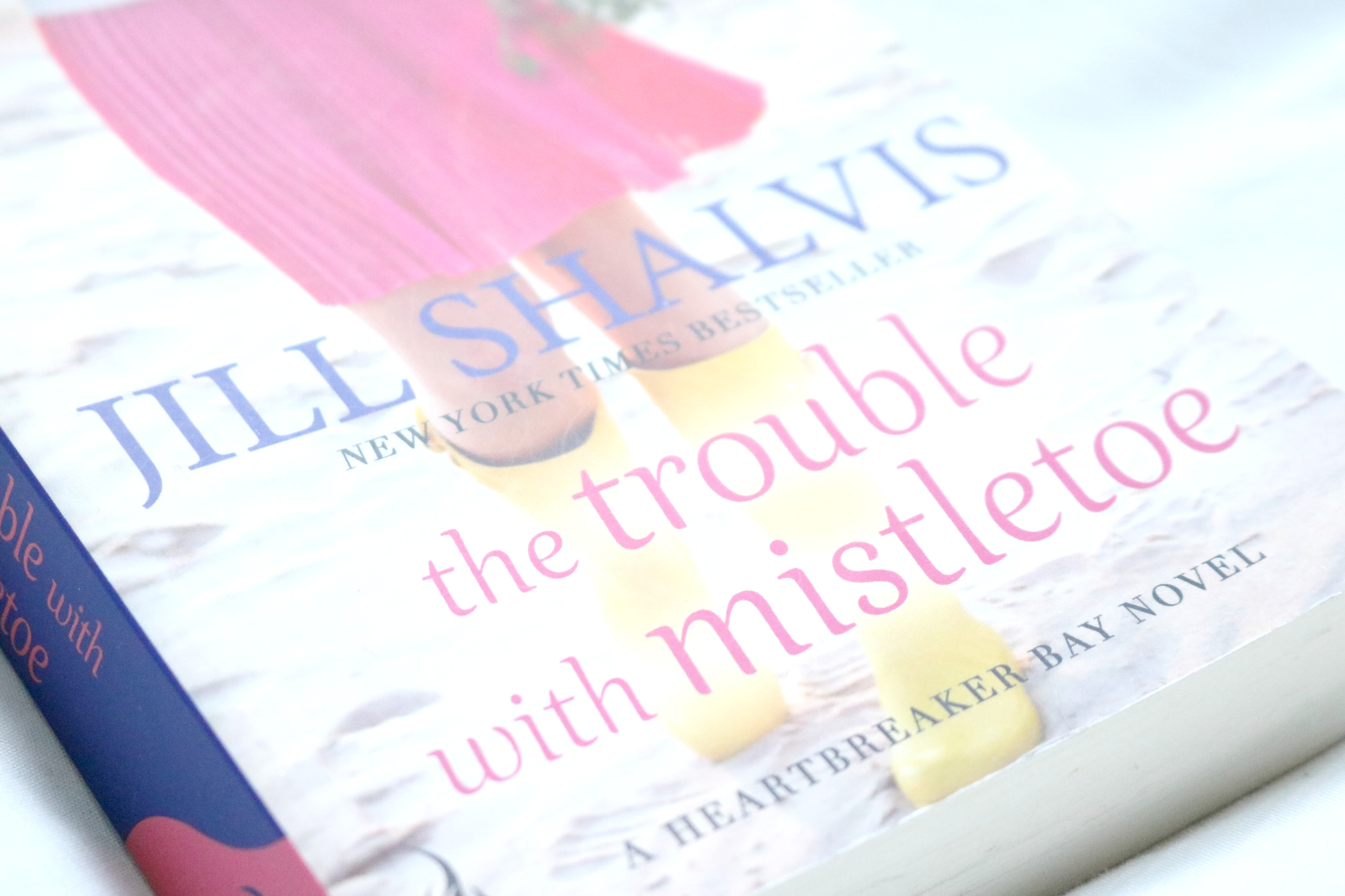 The trouble with mistletoe, jill shalvis, book review, heartbreaker bay, jodetopia
