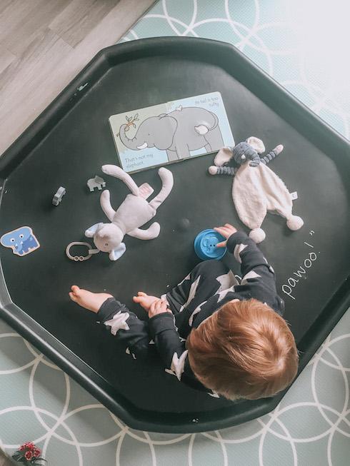 messy play at home, elephant sensory tray